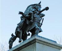 畠山重忠銅像